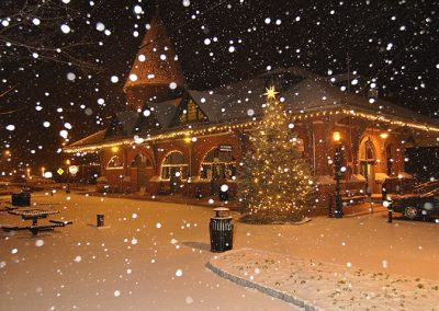 Jim Thorpe Visitors Center during a snowfall